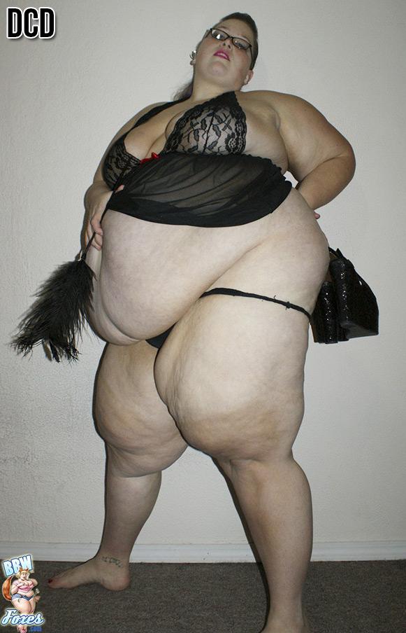 Huge retro black cock