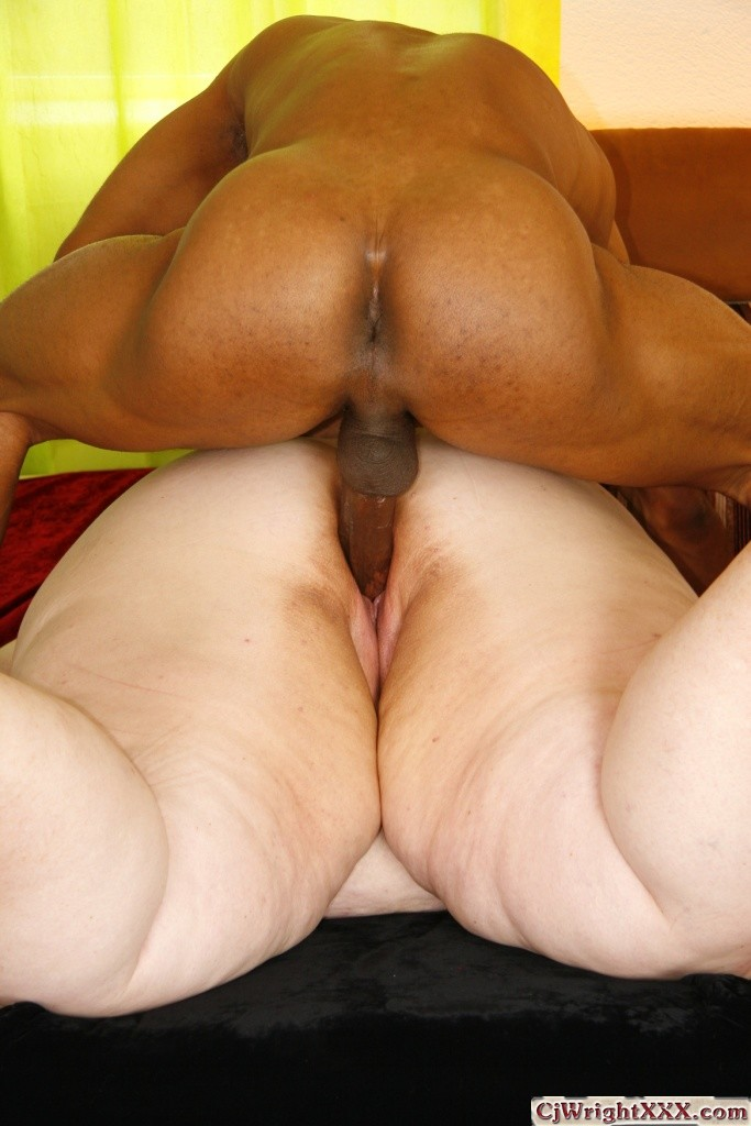 Mega big plump ass gilf sucks amp fucks